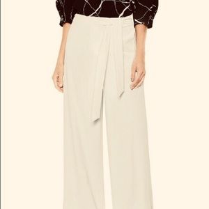 Banana R Wide –Womens pans Texture Base Tie Front